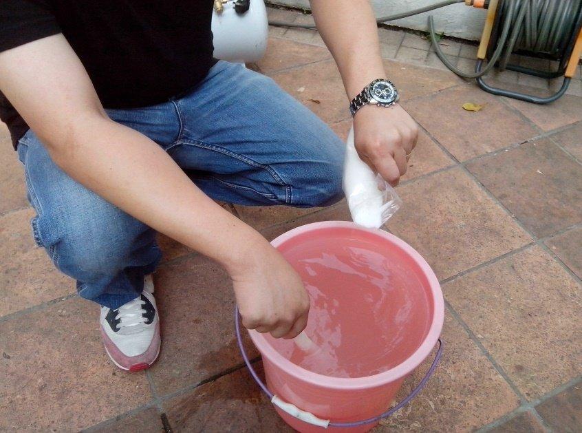 清洗水管中柠檬酸与水的比例是多少?